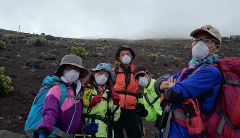 富士山登山でマスク