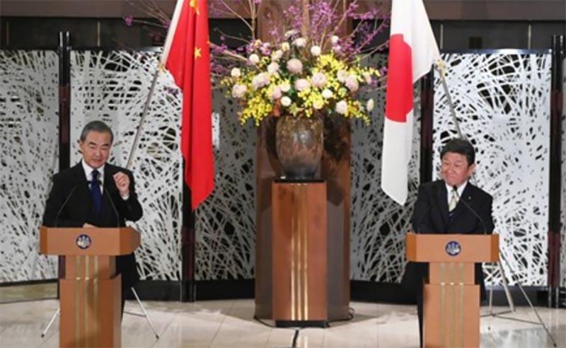 茂木外務大臣が王と会談