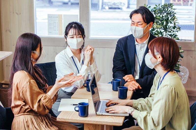 マスクで会議